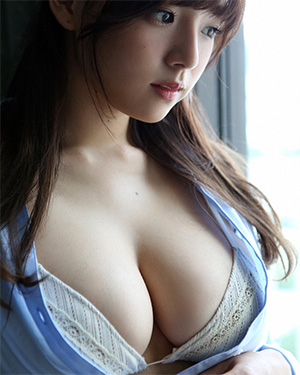Ai Shinozaki Dangerous Curves