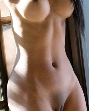Alyssa Lee Tight Body Desire