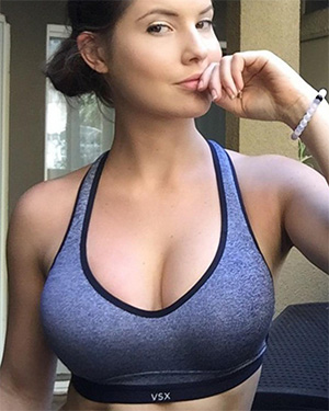 Amanda Cerny come get to know this playmate