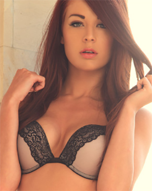Amber Mae Sexy Model
