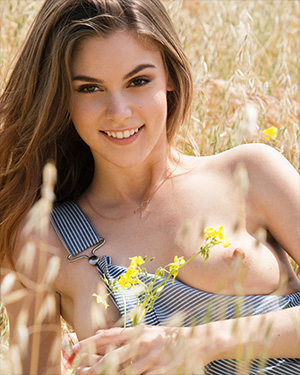Amberleigh West Smiling Playmate