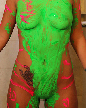Bailey Knox Finger Paint HD