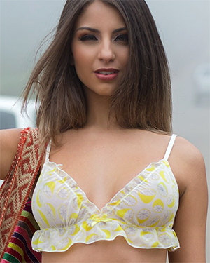 Beatriz Aguiar Cute New Latin Model