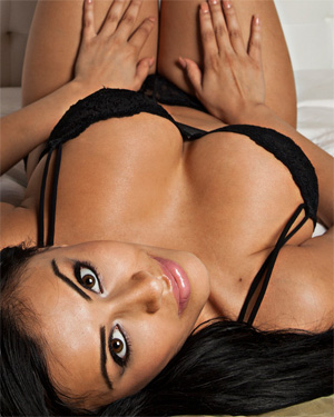 Bunnie Brook Exotic Beauty In Bed