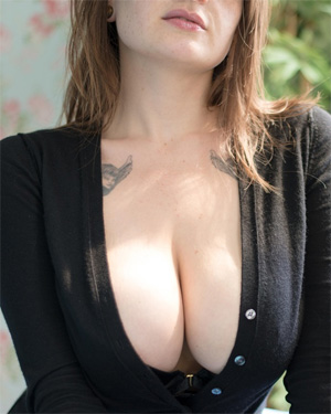 Clio Big Tits Suicidegirl
