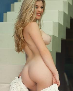 Daniela Melo Sensual Lingerie