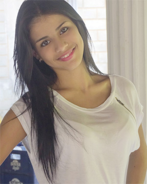 Denisse Gomez Sunny Smile