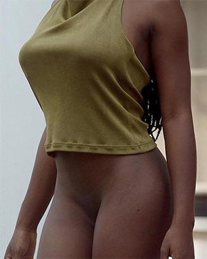 Deserea Wildly Undressing Ebony Beauty