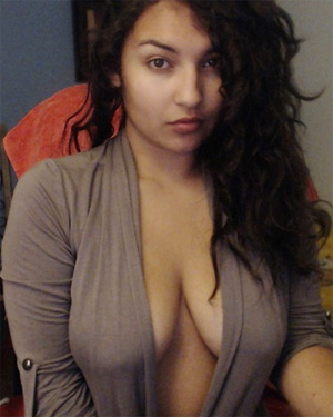 Dottt Cute Webcam Model