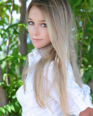 Elise Met-Art