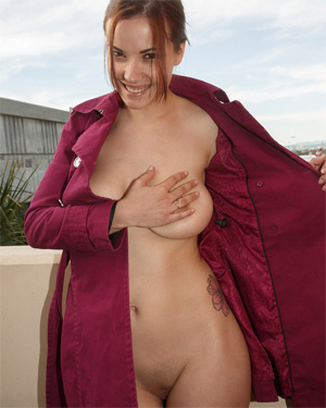 Elizabeth Marxs Flying Commando Zishy