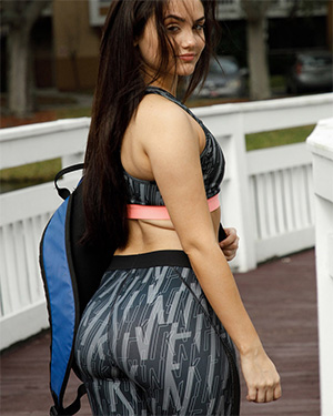 Eloisa Guerra Gym Leggings Zishy