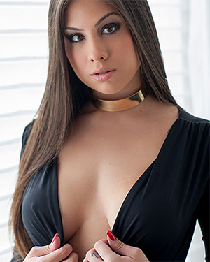 Emiliana Agacci brunette brazilian beauty