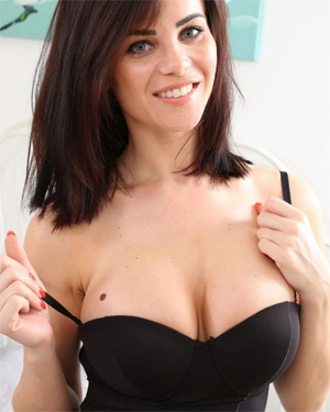 Emma Glover Bodysuit Cleavage