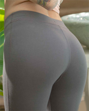 Emma Mae Wears The Sexiest Yoga Pants