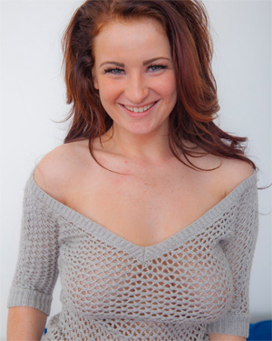 Emmy Sinclair Bedroom Beauty Cosmid
