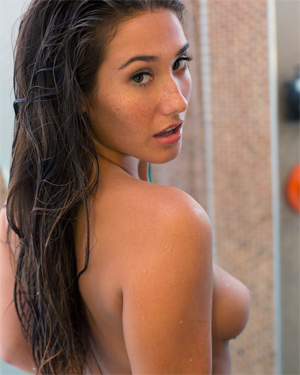 Eva Lovia Sexy Shower