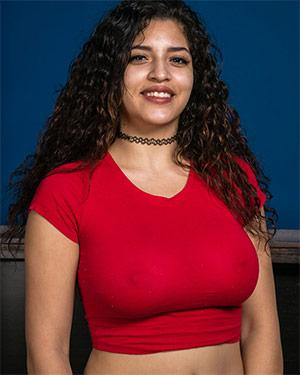 Gabriela Lopez Latina AMKingdom