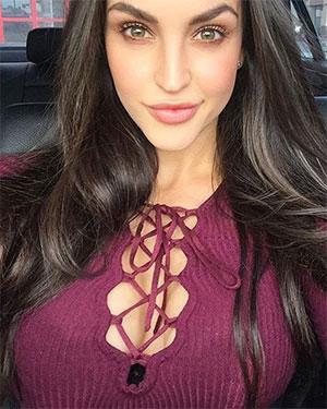Jaclyn Swedberg Sexy Selfies