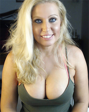 Jane Burgess Busty Webcam Model