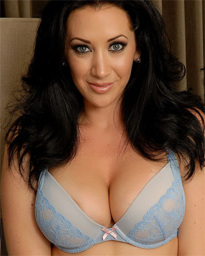 Jayden Jaymes Sexy Stripping