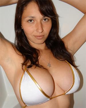 Jenny Busty Amateur Shower