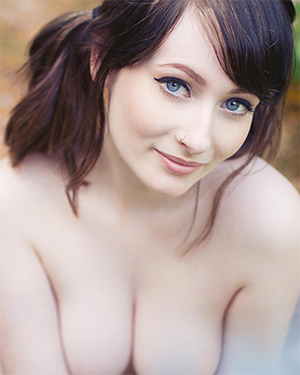 Jessicalou Charming Blue Suicidegirl