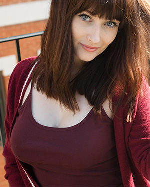 Jessicalou busty beauty suicidegirl