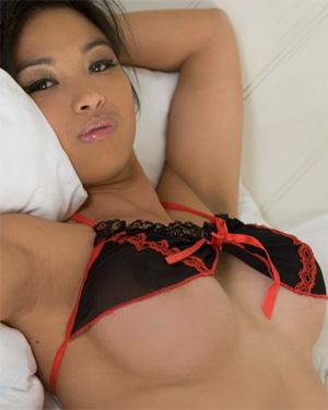 Kailiyah Rae Perky Tits In Bed