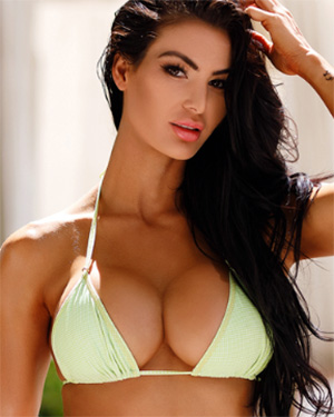 Katelyn Runck Sexy Babe