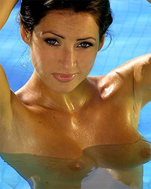 Katie Lawrie Nude Swimming