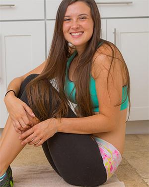 Katie Rawls Naked Yoga Session Cosmid