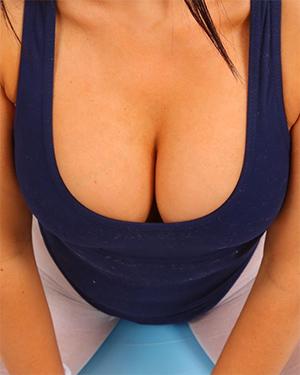 Keira Sexy Workout Girl