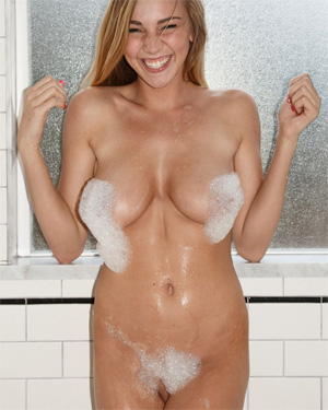 Kendra Sunderland Bubble Bath Zishy