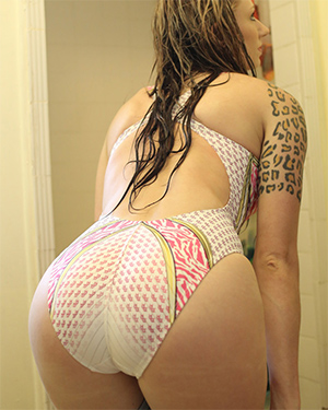 Kitt Katt Shower Time Swimsuit Heaven