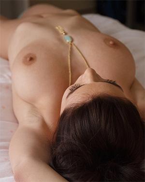 Lana Rhoades bedroom to shower zishy