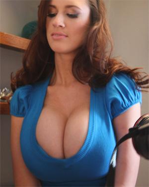 Lana Kendrick Sweater Tits