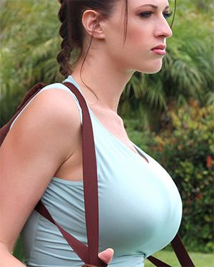 Lana Kendrick Lara Croft Cosplay