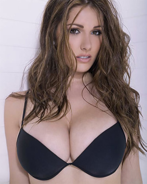 Lucy Pinder Busty Goddess