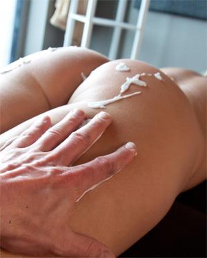 Meet Madden Deep Erotic Massage