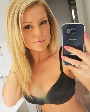 Meet Madden Sexy Selfies