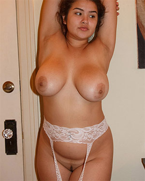 Mercedes Llano A Quick Bump Zishy