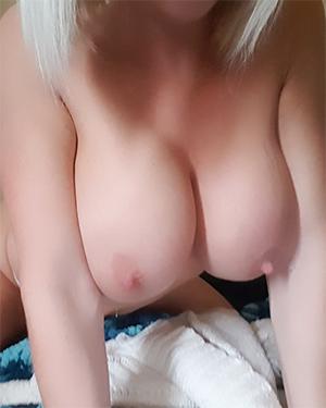 Monroe Lee Pink Pussy Play