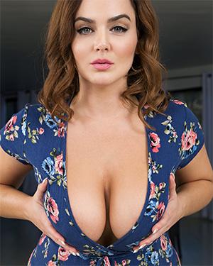 Natasha Nice Has Fun On BaDoinkVR