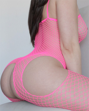 Nekane Sexy Pink Fishnet Body
