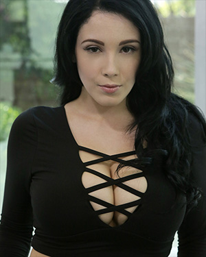 Noelle Easton NF Busty