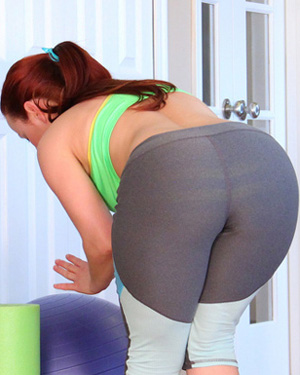 Pattycake Yoga Pants Workout
