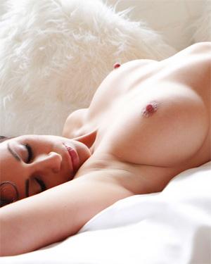 Rachelle In Bed