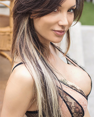 Rebyt Busty Tattooed Suicidegirl