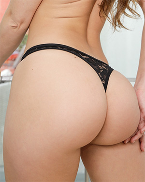 Remy Lacroix perfect bubble butt